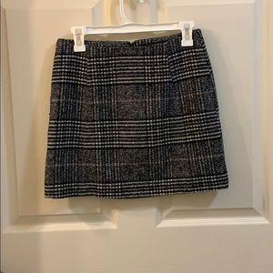 Forever 21 houndstooth print mini skirt